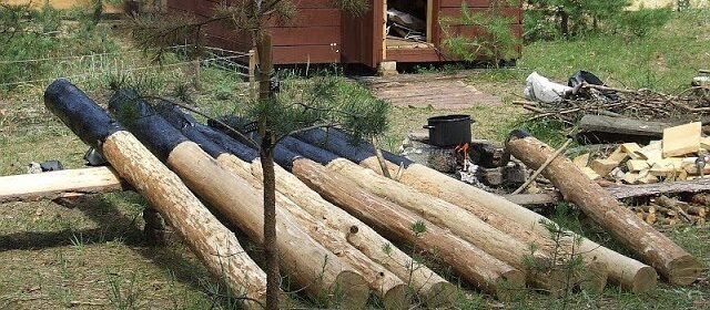 деревянные столбы особенности